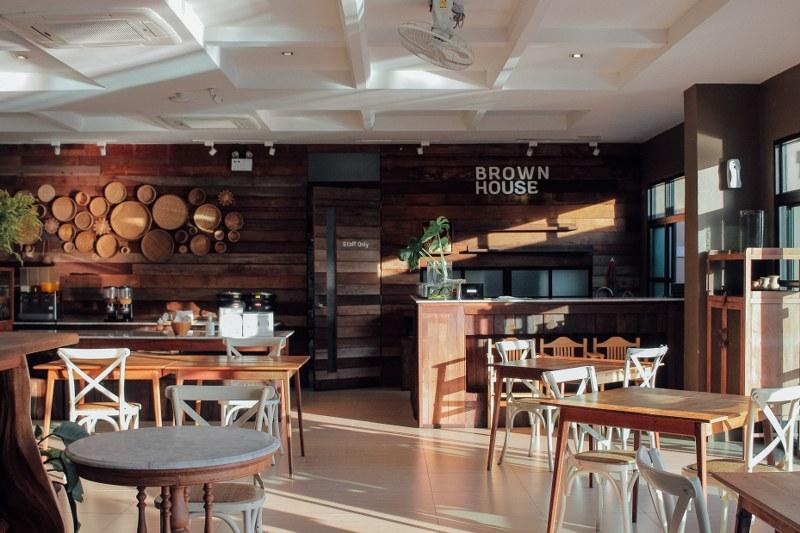 ห้องทานอาหารเช้า Brown House Hotel